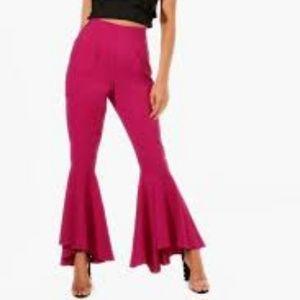 NWT Boohoo Ruffle Hem Luxe Woven Trousers size 6